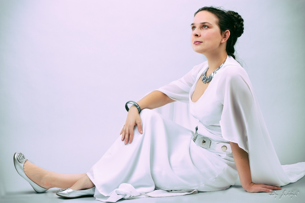Princess Leia – Ceremonial Gown (Star Wars: Episode IV) – Bossi Cosplay
